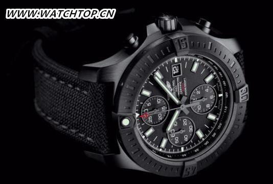 百年灵全新挑战者自动计时黑钢腕表