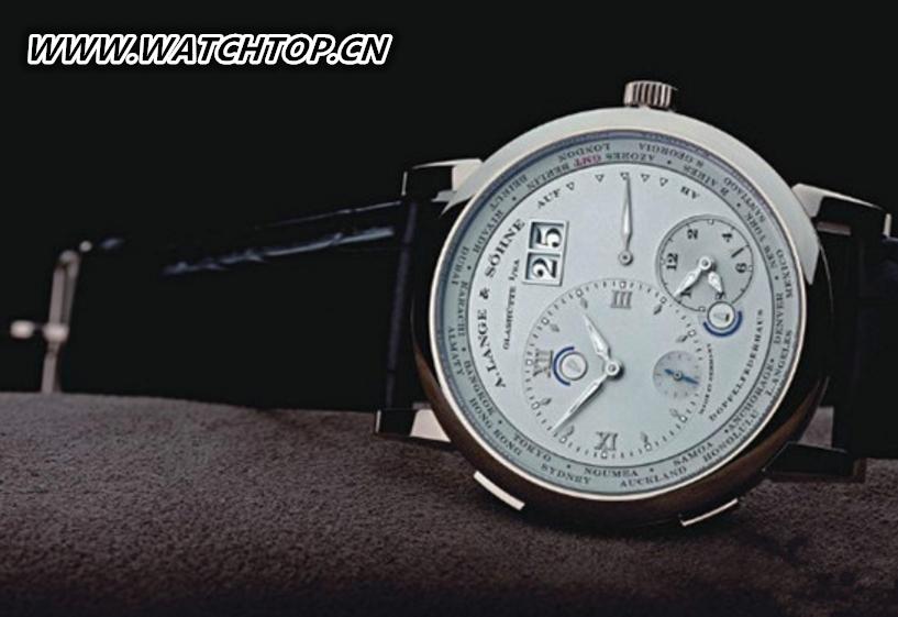 江诗丹顿推出TRADITIONNELLE传袭系列三问陀飞轮腕表